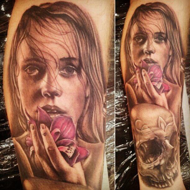 Deep Gaze realistic tattoo