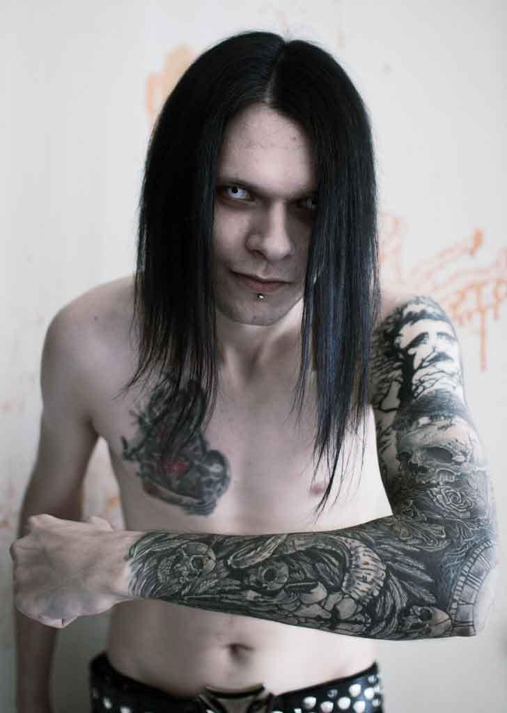 Scull Hand Desolation tattoo