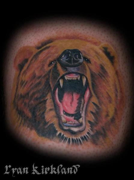 Angry Bear Realisic tattoo by Last Angels Tattoo