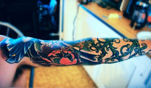Flowers and Vein tattoo sleeve