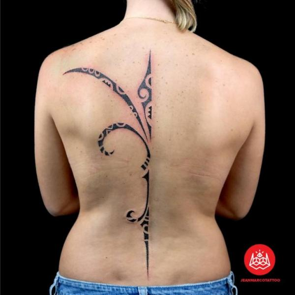 Half of Tribal tattoo on back by 2vision Estudio