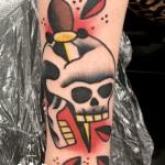 Blood Dagger Skull Old School tattoo by Elda Bernardes