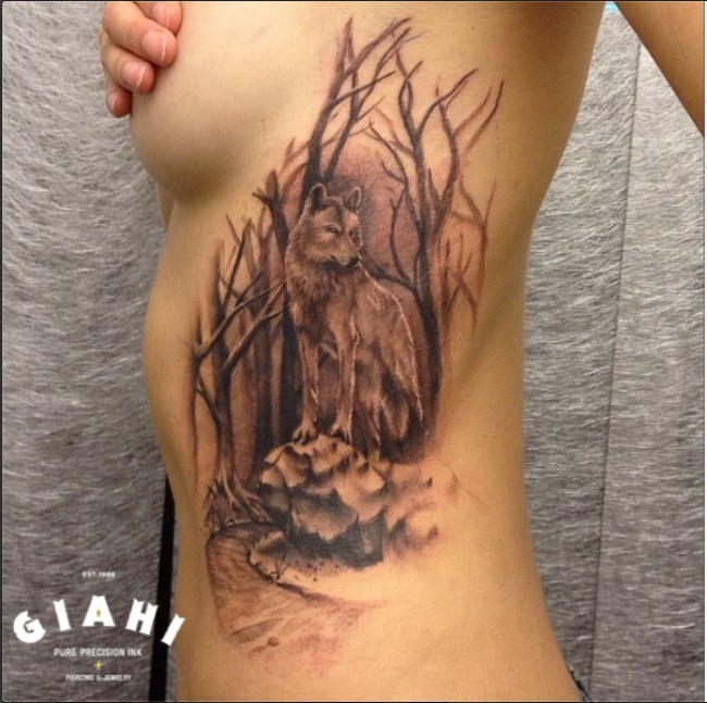 Body Side Graphic Wolf tattoo