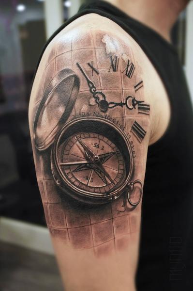 55e1211c8bd0a Compas and Clock Realistic tattoo by Mumia Tattoo | Best Tattoo ...