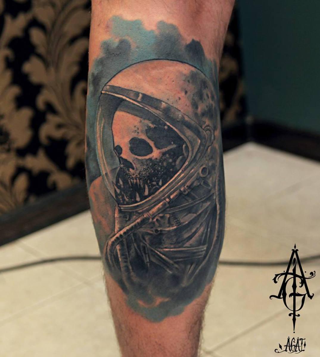 dead astronaut skull tattoo by agat artemji best tattoo ideas gallery. Black Bedroom Furniture Sets. Home Design Ideas