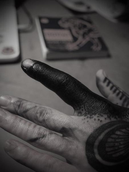 Finger Blackwork tattoo