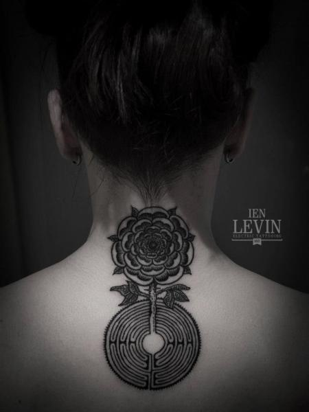 Flower Labirynth Dotwork tattoo by Ien Levin