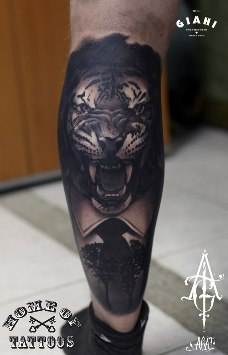 Growling Tiger tattoo by Agat Artemji