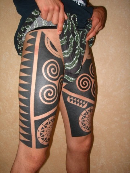Maori Thigh Blackwork Tattoo