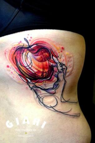 Nails and Apple tattoo by Petra Hlavàckovà