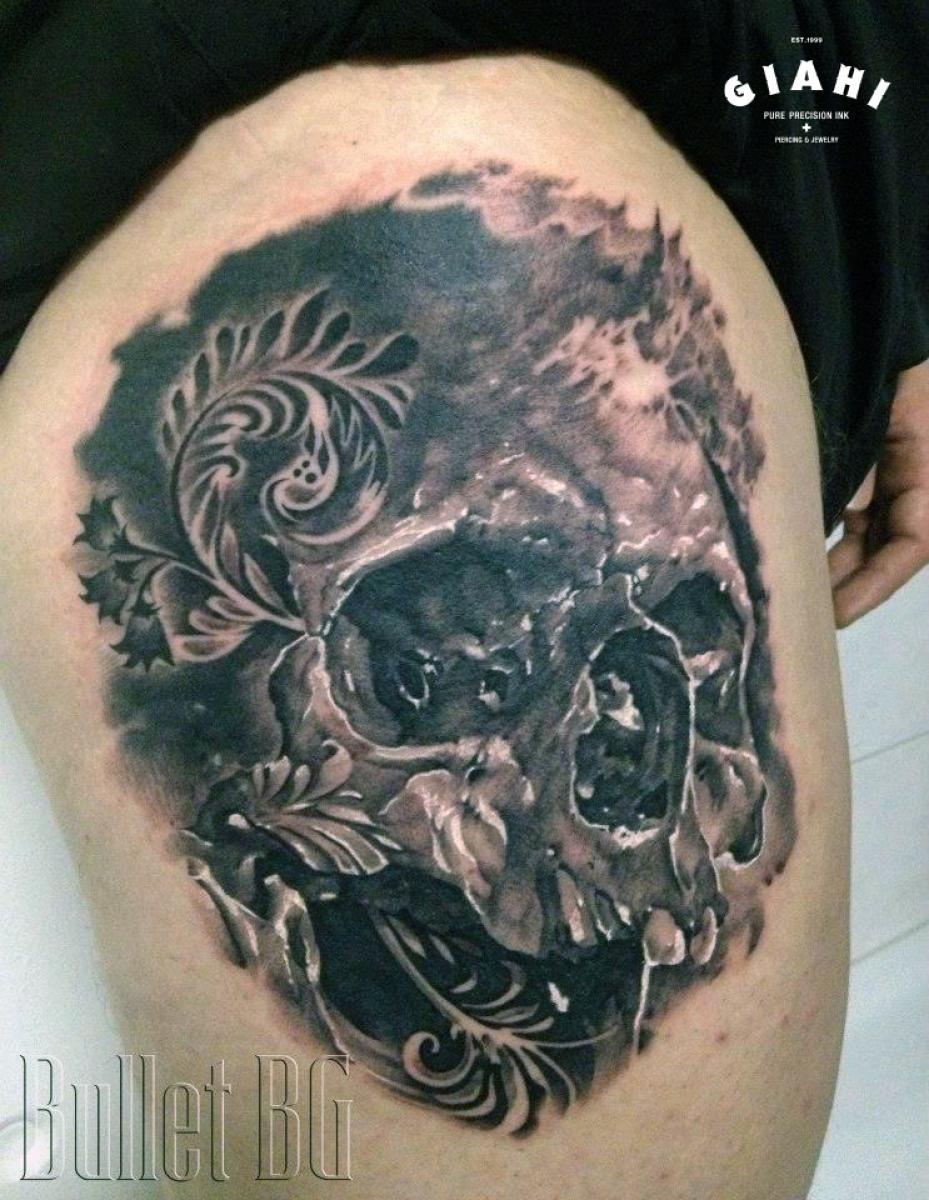 No Teeth realistic Skull tattoo by Agat Artemji