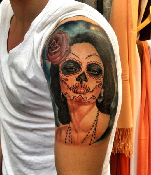Rose In Hair Chicano Girl Realistic tattoo by Resul Odabaş on Shoulder