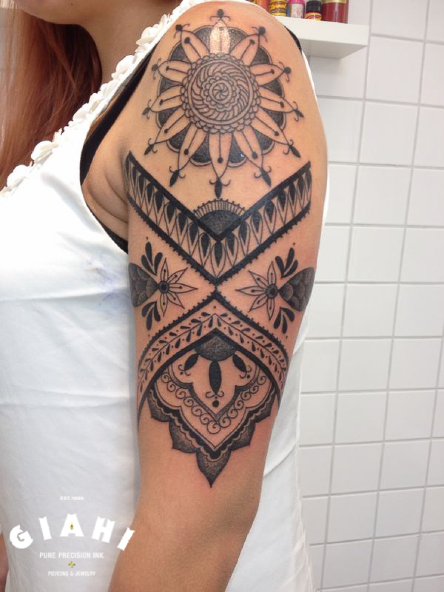 Shoulder Flower Tracery Blackwork tattoo by Elda Bernardes