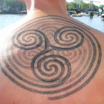 Spiral Trinity Back Dotwork tattoo by Andy Cryztalz
