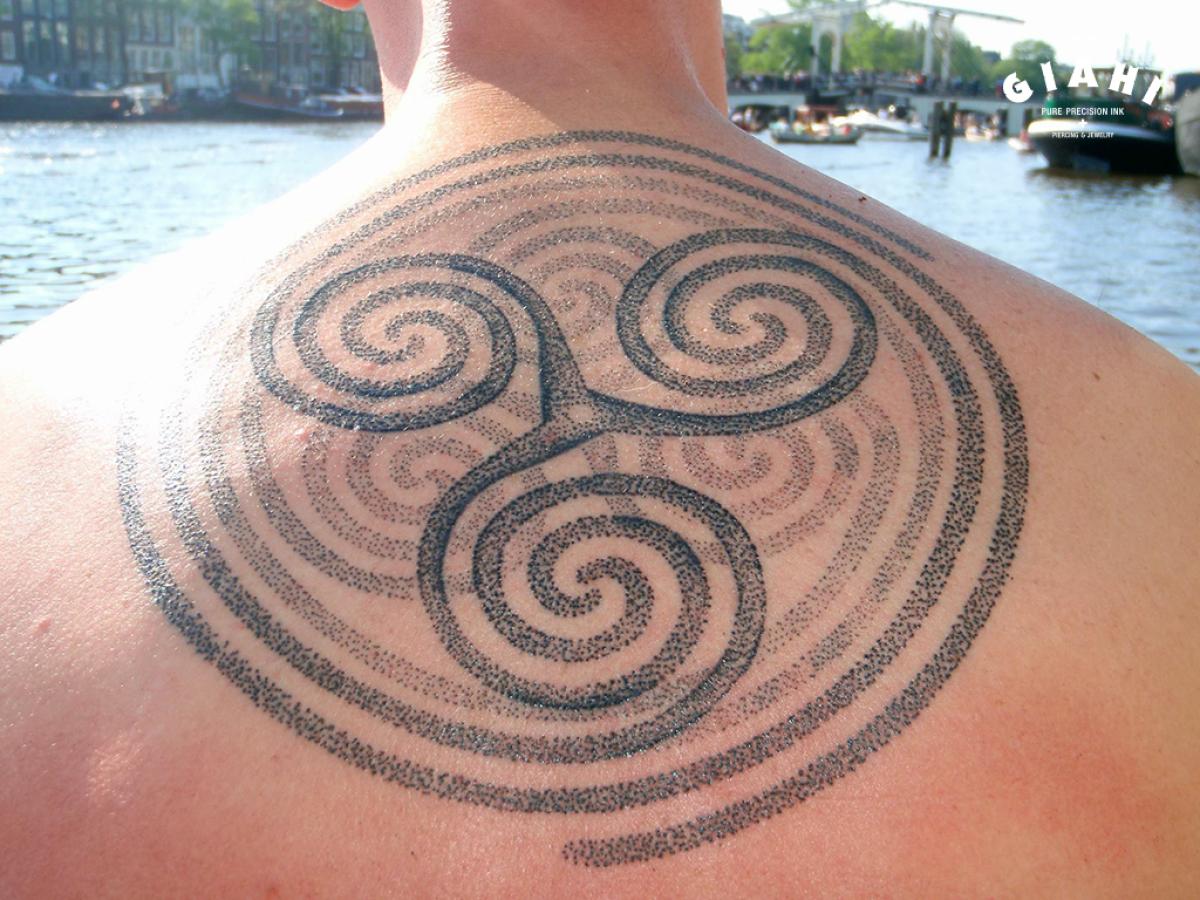 Spiral Trinity Back Dotwork tattoo by Andy Cryztalz