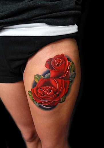 Thigh Two Roses tattoo by Andres Acosta