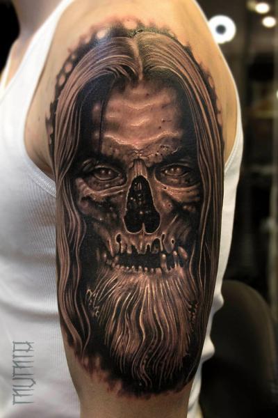 Undead Scull tattoo by Mumia Tattoo