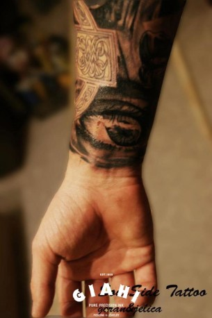Wrist Realistic Eye tattoo by Goran Petrovic
