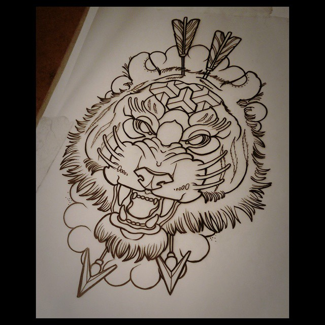 Arrow Shot Tiger Tattoo Design