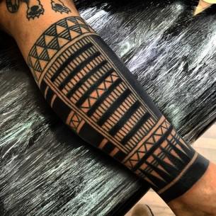 Brace on Leg Maori tattoo