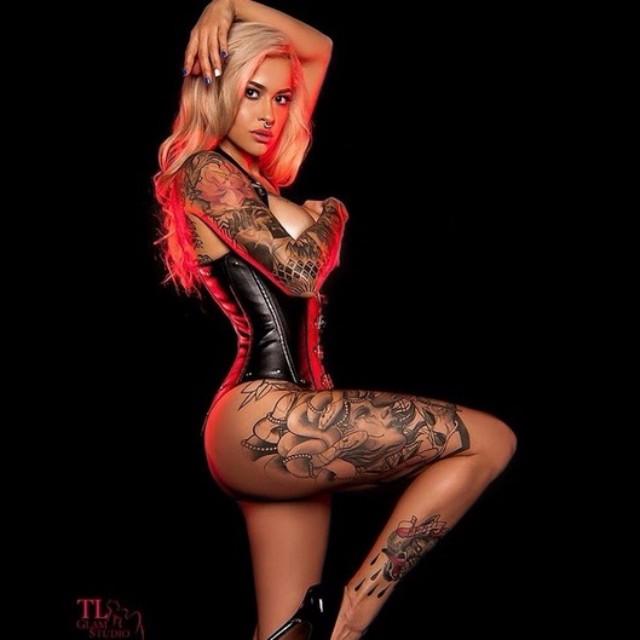 Cute Sarah Giampapa body tattoos