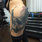 Incredible Thigh Realistic Skull tattoo by Marcel Daatz
