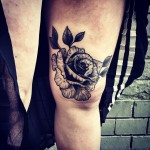 Knee Graphic Rose tattoo