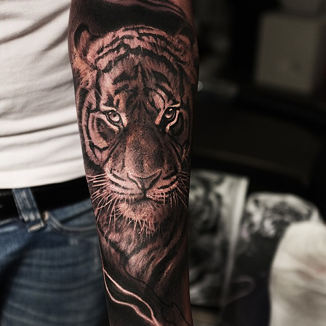 close up look tiger tattoo best tattoo ideas gallery. Black Bedroom Furniture Sets. Home Design Ideas