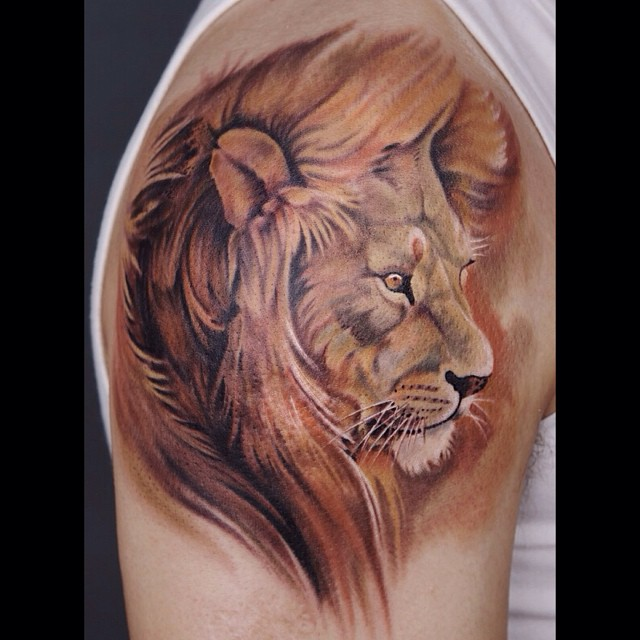 Watercolor Shoulder Lion tattoo