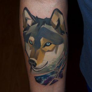 Arm Wolf an Night Tattoo