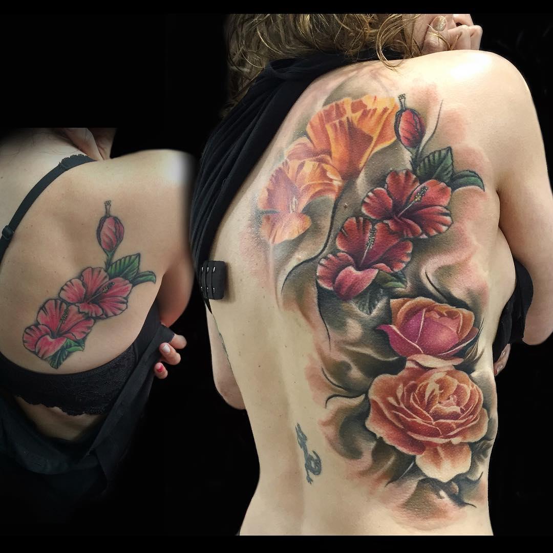 Beautiful Back Flowers Tattoo