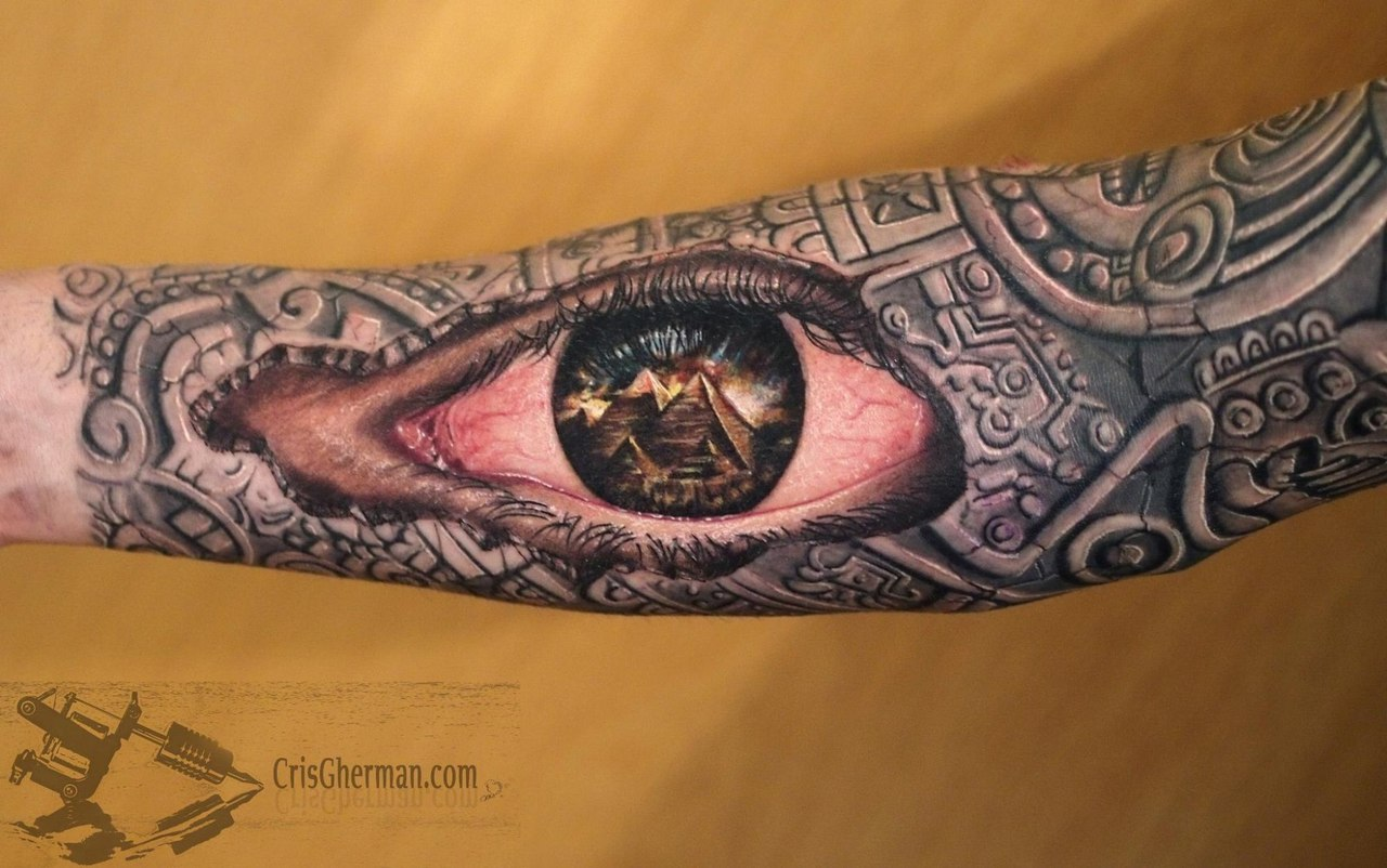 eye tattoo by Cris Gherman