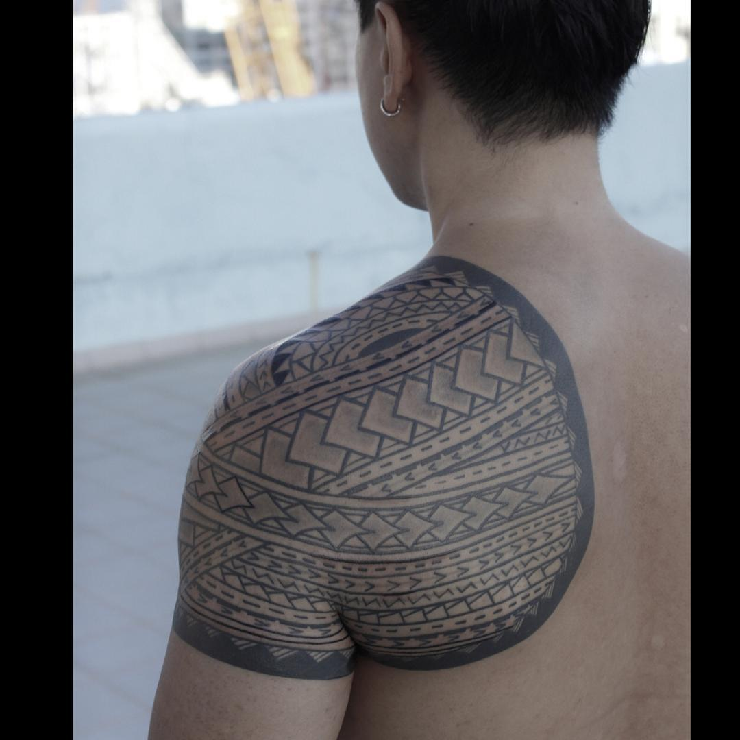 Tribal-Tattoos Etnic-Tribal-Tattoo-on-Shoulder-by-Jimmy-Yuen_2