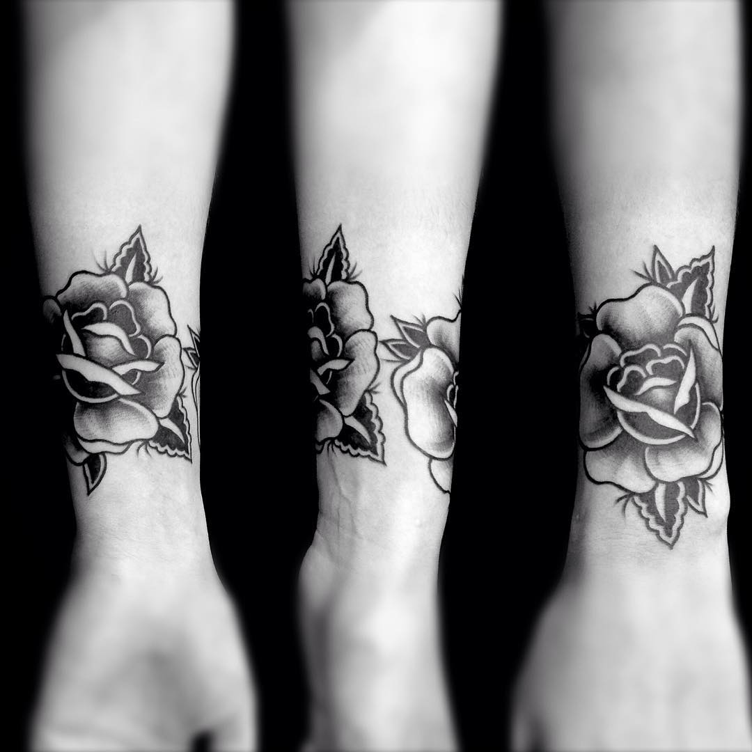 flower wrist tattoos best tattoo ideas gallery. Black Bedroom Furniture Sets. Home Design Ideas