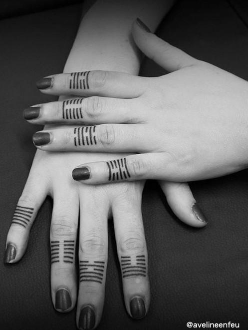 Finger Lines