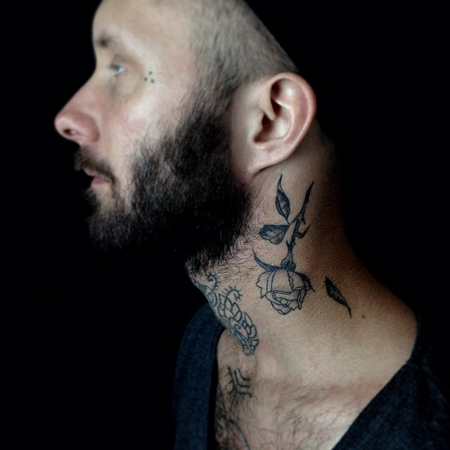 35 Incredible Neck Tattoos