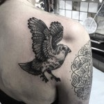 Shoulder Blade Sparrow Tattoo