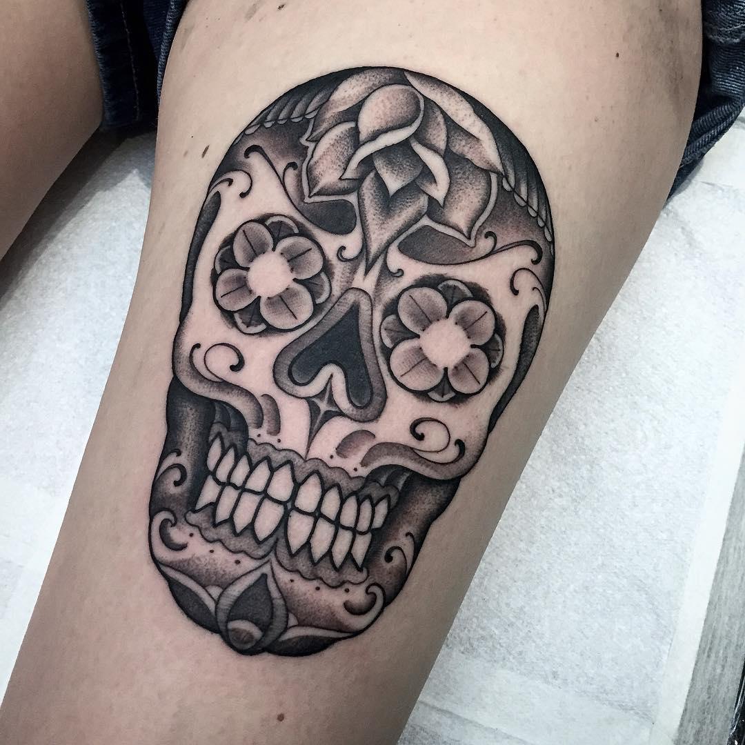Thigh Chicano Skull Tattoo