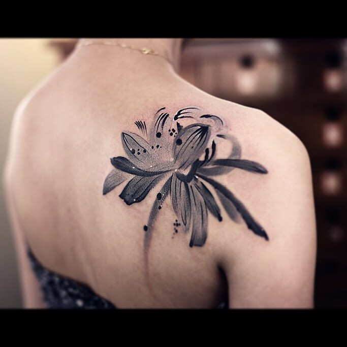 Cool Paint Lotus Tattoo on Shoulder Blade