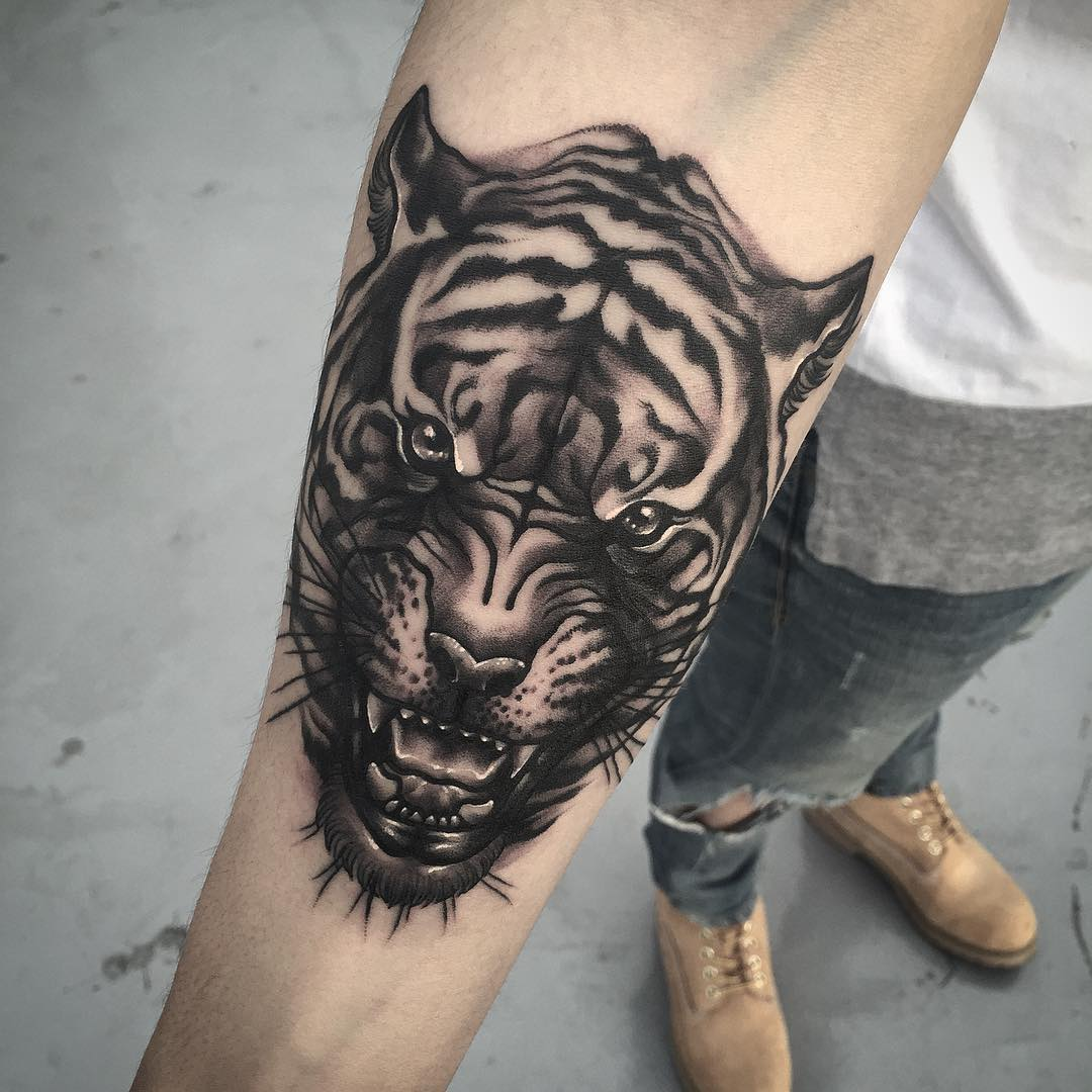 Tiger face tattoo best tattoo ideas gallery for Tiger tattoo face