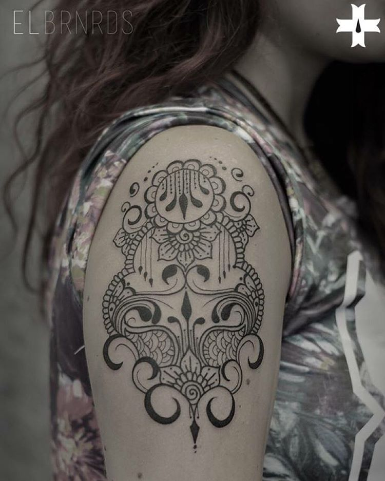 Girl Shoulder Tattoo