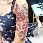 cool roses tattoo on shoulder - good for girls