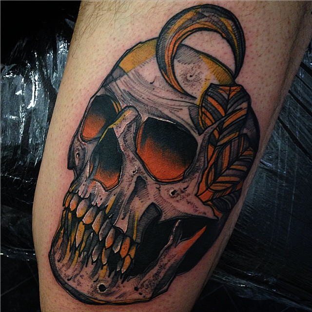skull and little moon tattoo