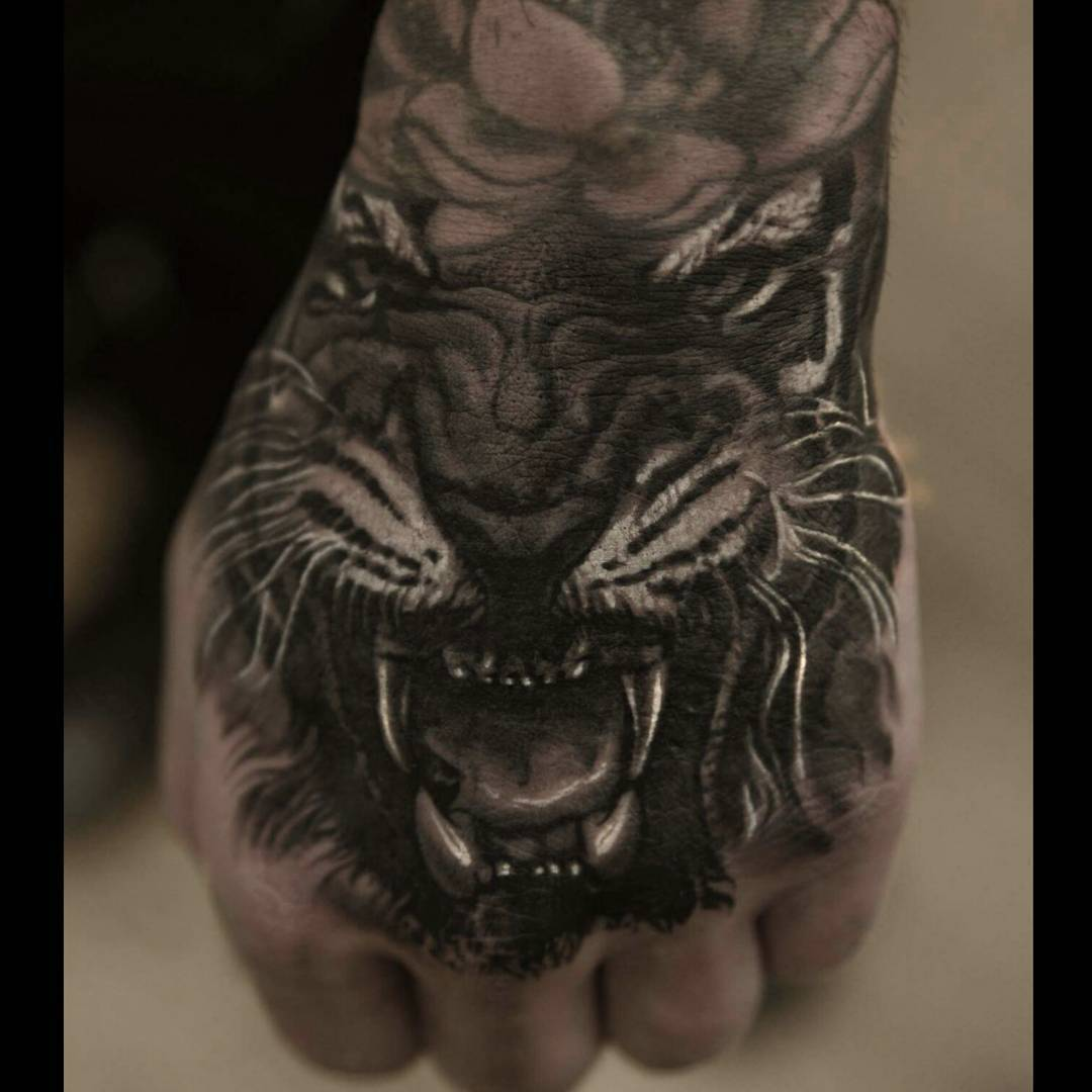Tiger Hand Tattoo, hand tattoo, realistic tattoo