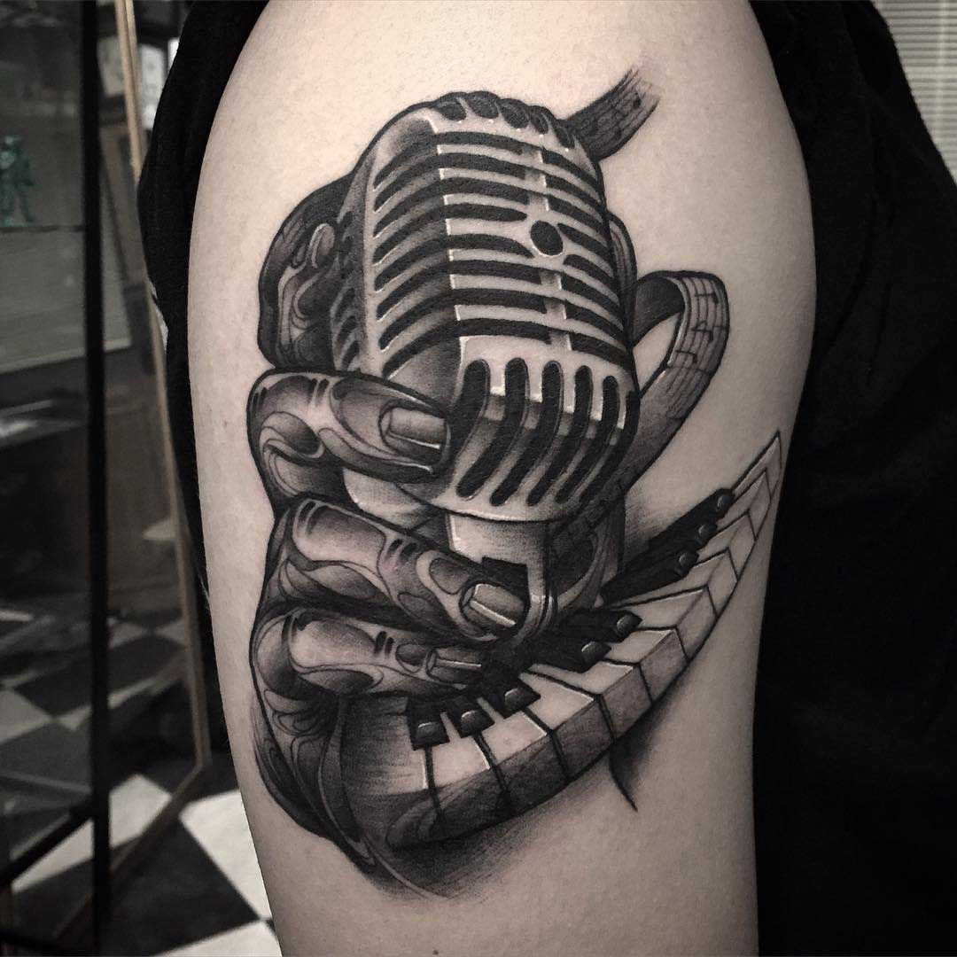 Johnny Cash Vector Vintage Microphone Tat...