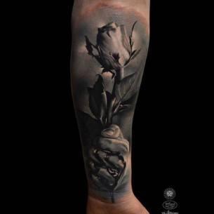 Bloody Rose Tattoo