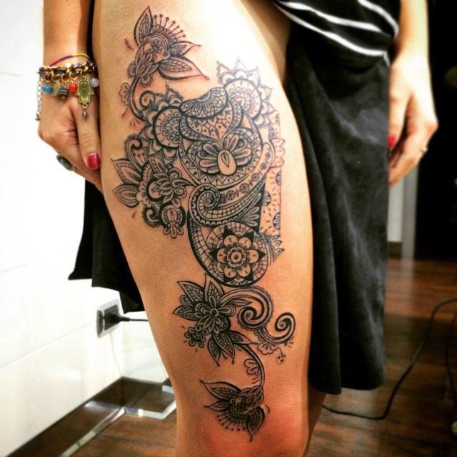 cool girl thigh tattoo