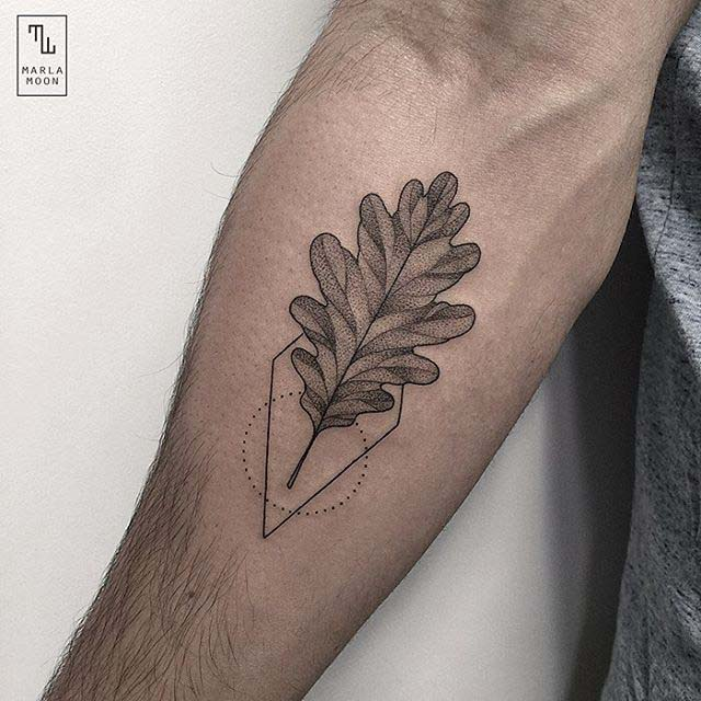Tattoo leaf oak