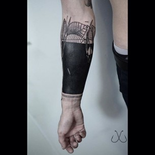 Blackwork Armband Tattoo