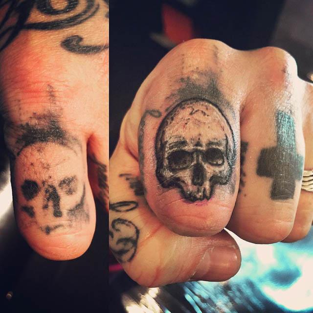 Finger Skull Tattoo Cover Up by Iolanda Leali